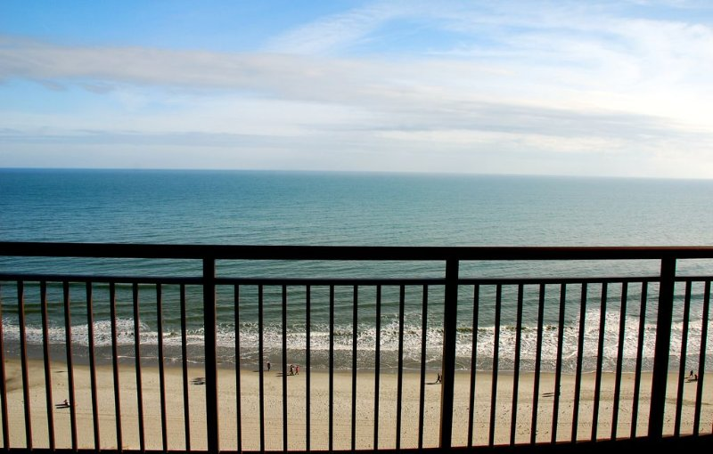 Fantastic Ocean Front Condo at Grande Cayman Resort, holiday rental in Myrtle Beach
