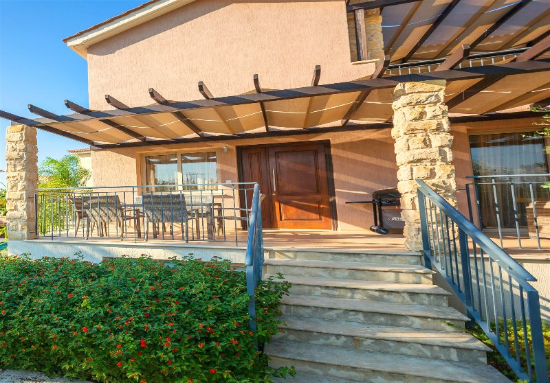 Exclusive Villa Samaliana - Private Sandy Beach, holiday rental in Argaka