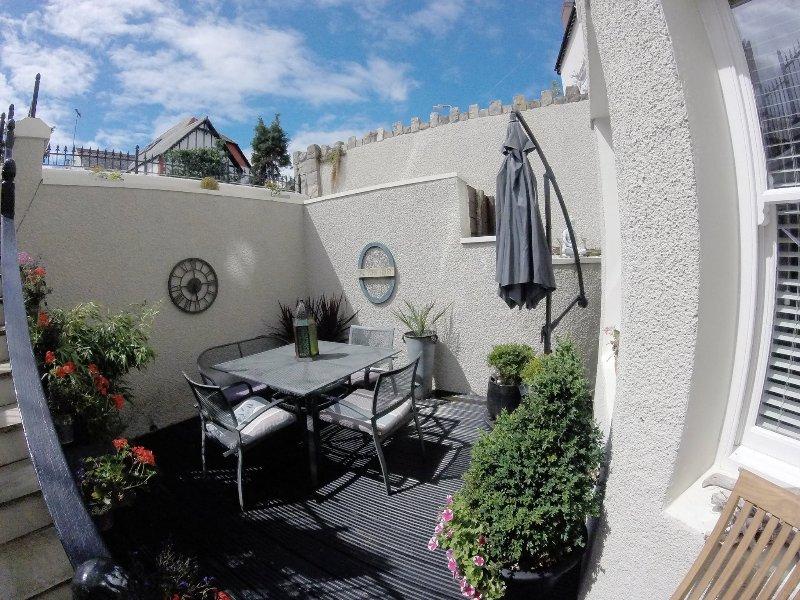 OneYorkHouse Holiday Apartment, holiday rental in Llandudno