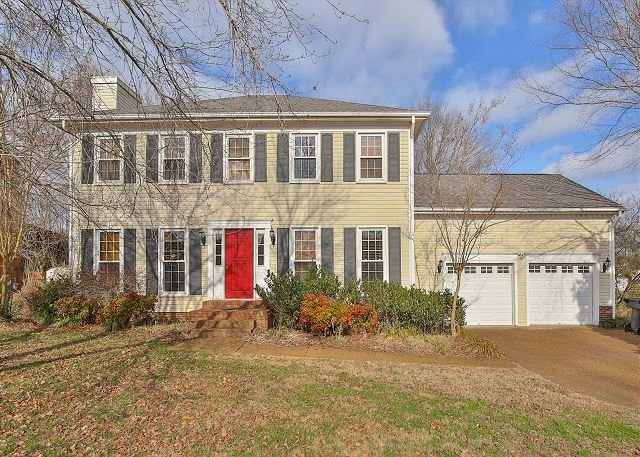 Family & Pet-Friendly Franklin Home - Close to Downtown & Shopping, vacation rental in Spring Hill