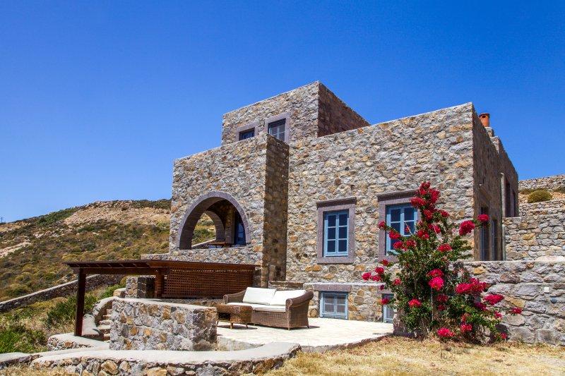 Calmness and Spiritual Patmos Villa, 4BR, 150m sea., casa vacanza a Grikos