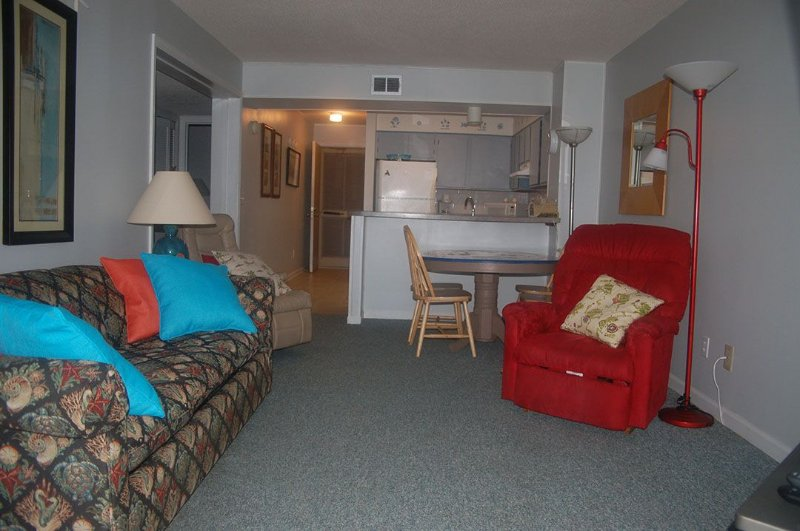 Chair,Furniture,Bench,Bedroom,Indoors