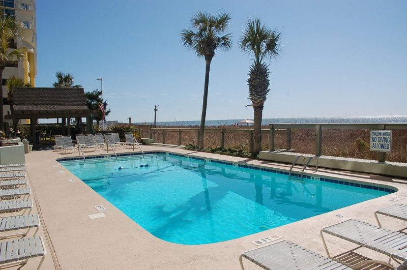 Pool,Water,Resort,Swimming Pool,Gazebo