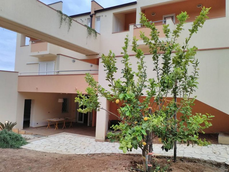 Appartamento indipendente in villetta a 700 mt dal mare, casa vacanza a Policoro