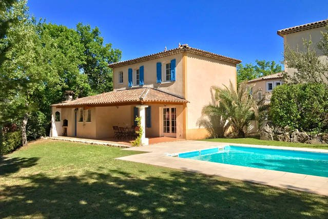 Provençal Villa Fayence -Sleeps 6-8 - Private Pool, holiday rental in Fayence