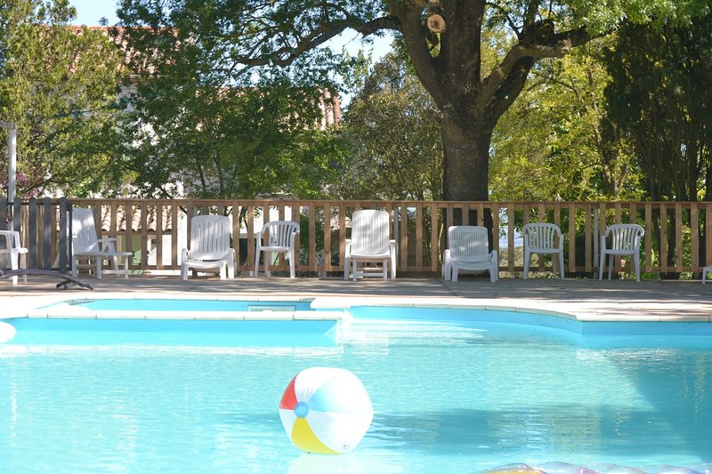 maison de vacances pays cathare Carcassonne Occitanie Languedoc Roussillon, vacation rental in Pech-Luna