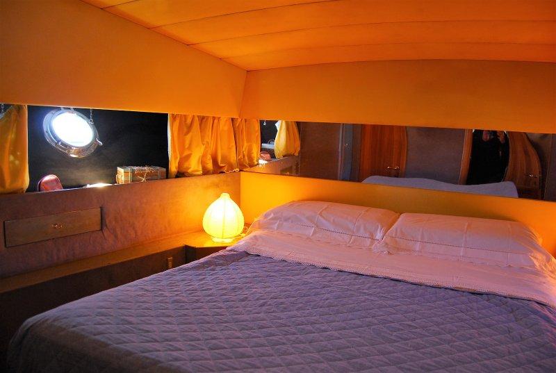 BED AND BOAT A MARINA VILLA IGIEA, alquiler de vacaciones en Belmonte Mezzagno