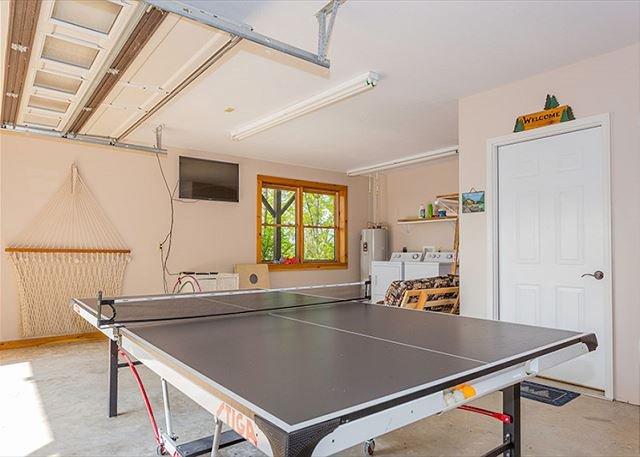 Salle de jeux dans le garage de niveau inférieur.
