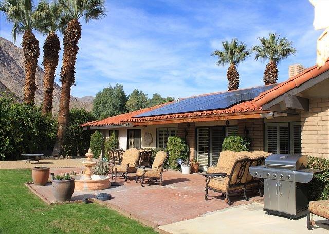 Salomon's Paradise: Stunning de Anza Golf Course Home w/ Private Pool & Spa, location de vacances à Borrego Springs