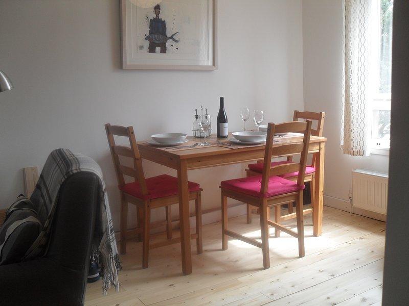 Edinburgh SeaViewGate (Apartment 1) adjacent to beach ~ 2 bedroom - Park Free, location de vacances à Prestonpans