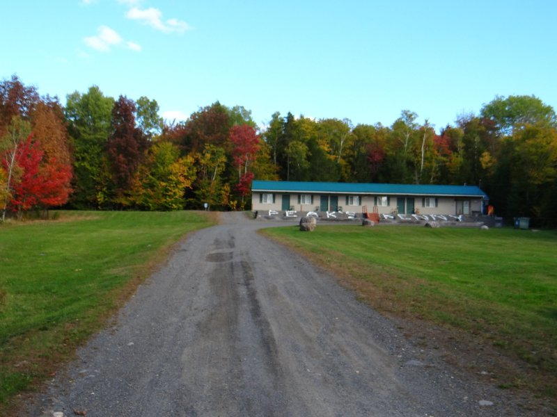 Peaks Kenny Lodge, Room 1, holiday rental in Sebec