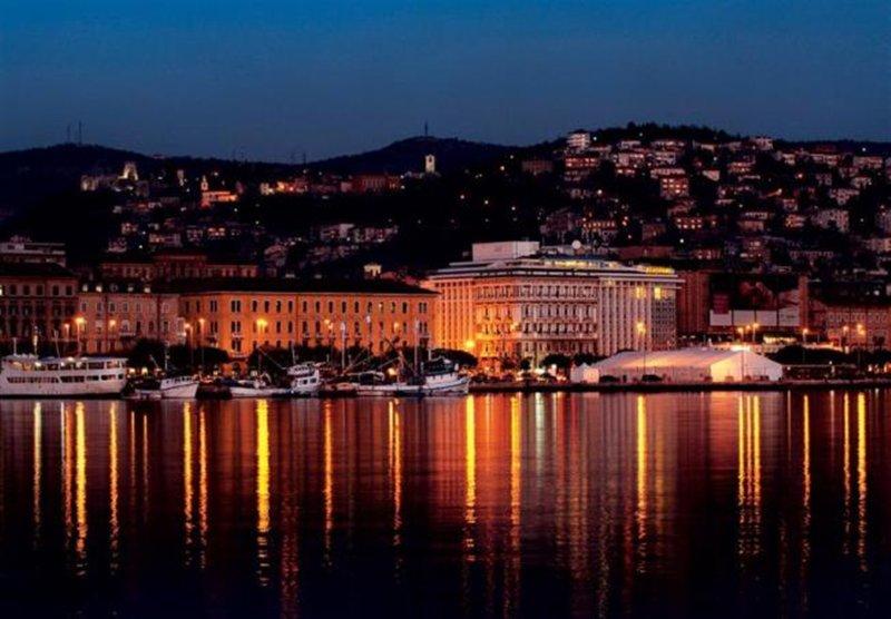 Rijeka by night...
