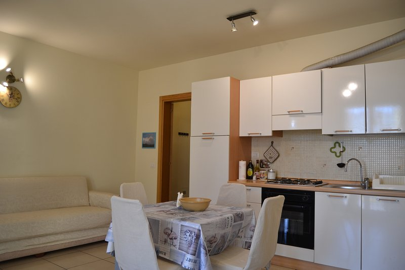 RENT FOR EXCLUSIVE USE, 1 KM FROM HISTORICAL DOWNTOWN AREZZO. FREE PRIVATE PARKING