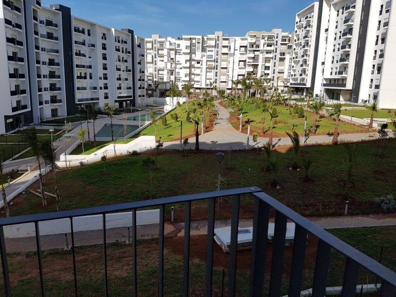 Appartement de luxe avec vue piscine et Jardin intérieur, alquiler de vacaciones en Región de Rabat-Salé-Zemur-Zaer