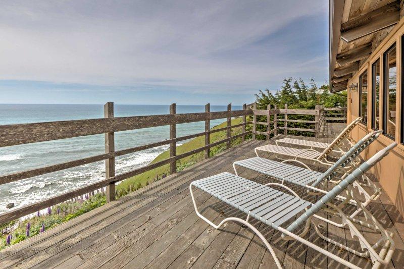 Enjoy sweeping views of the Pacific Ocean!