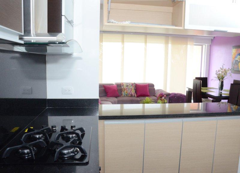 APARTAMENTO DE LUJO A ESTRENAR ZONA SUR DE CALI, holiday rental in Pance