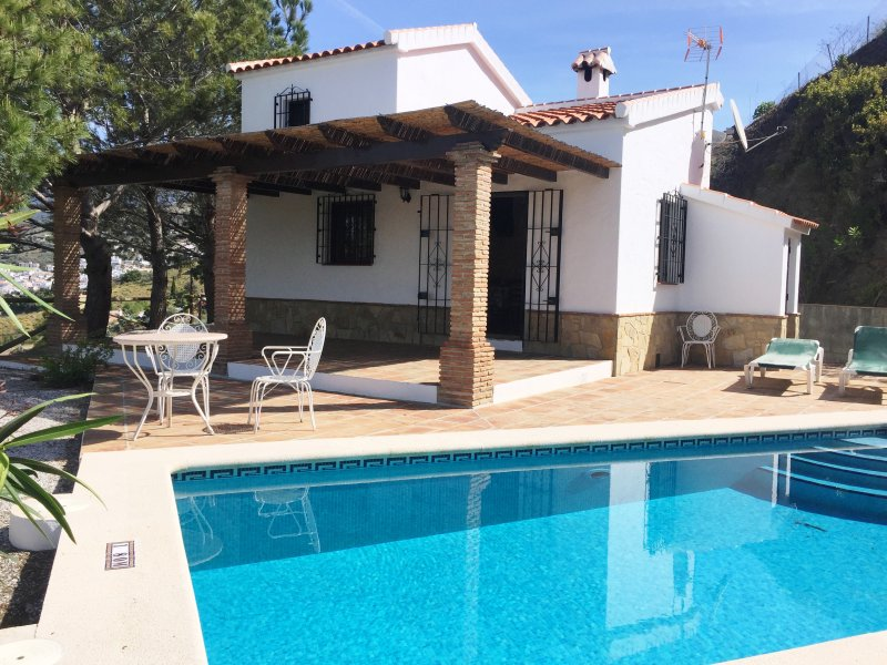 El Albergue con piscina privada, Cómpeta , Málaga, holiday rental in Competa