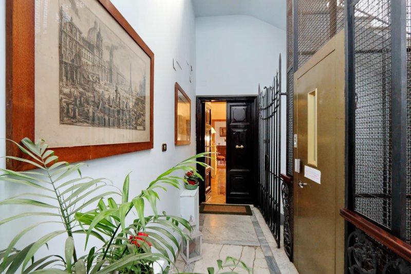 entrada desde el ascensor