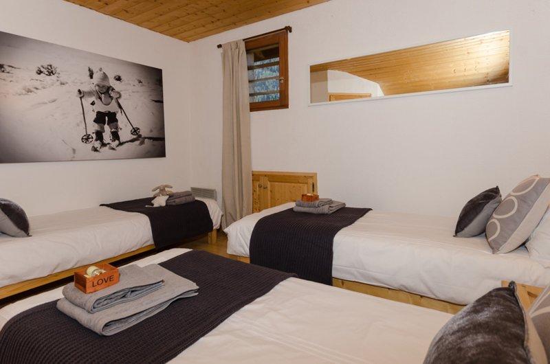Upstairs bedroom 4 with ensuite (triple)