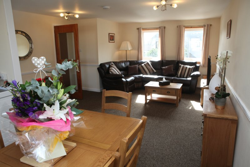 Castleyards Apartment 2 - A Spacious Two Bed Apartment in Central Kirkwall, location de vacances à Mainland