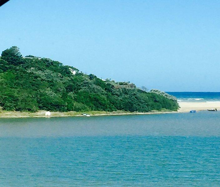 Mgwalana Beach Resort - Holiday House located in a Mgwalana Beach Resort - Secluded Private Resort