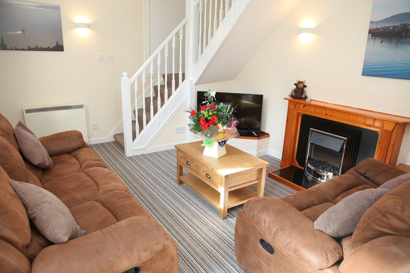 Harbour Cottage - A Beautiful Two Bed Townhouse Overlooking Stromness Harbour, location de vacances à Mainland