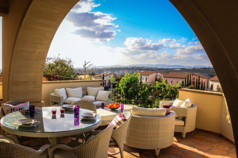 i03 Apartment, Apollo Heights, Aphrodite Hills Golf and SPA Resort, aluguéis de temporada em Kouklia