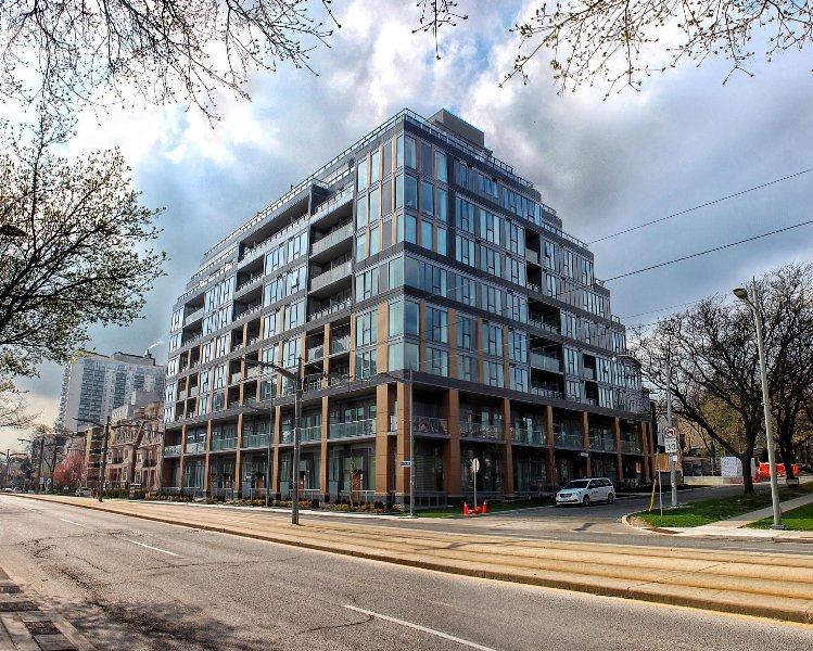 Luxury furnished 2BD/2BA Toronto downtown view Condo(6 months +), alquiler vacacional en Thornhill