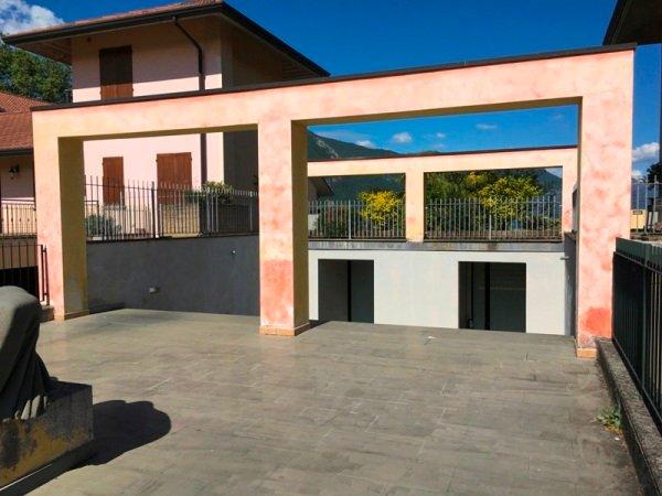APPARTAMENTI  BILOCALI  A  PARATICO  IN RESIDENCE  FRONTE LAGO CON  PISCINA, holiday rental in Zandobbio