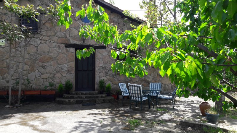 Casa Rural en el Valle del Jerte., holiday rental in Cuacos de Yuste