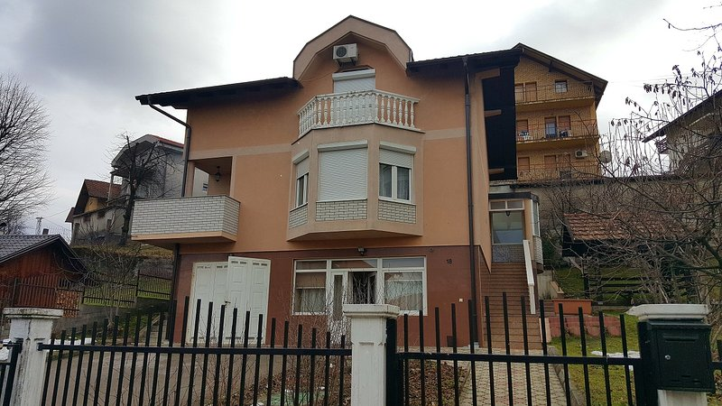 Apartment Mirjana, vacation rental in Banja Luka