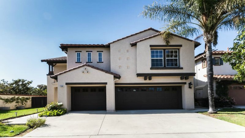 Resort Style Vacation Home  Irvine, Newport Beach, holiday rental in Tustin