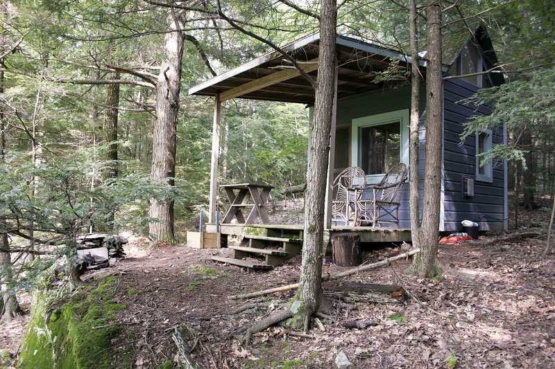 The Cabin on Chloe's Lake, casa vacanza a Saugerties