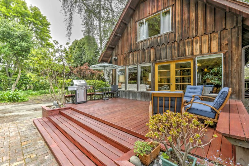 Discover the majestic town of Aptos, California from this 3-bedroom, 2-bathroom vacation rental house with sleeping accommodations for 8!