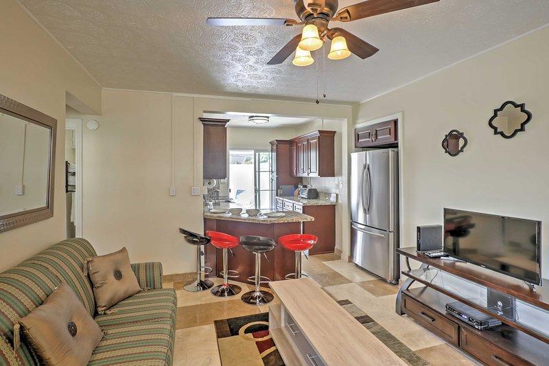 Une revitalisation retraite Honolulu vous attend dans cette 1 chambre confortable appartement de location de vacances!