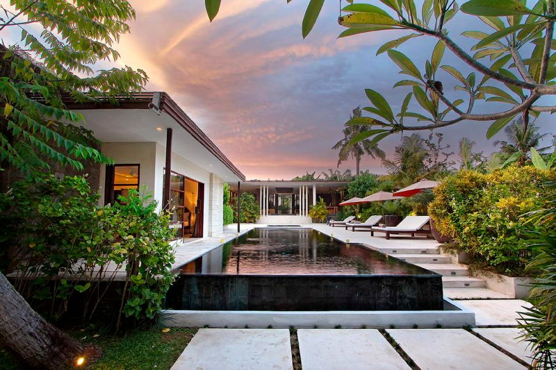 Villa Mona, Modern Elegant 5 Bedroom sophisticated for groups and families, holiday rental in Dalung
