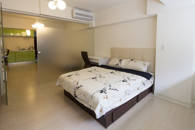 10%OFF ZEN02 ZhongShan Station 8-10mins in center, holiday rental in Beitou