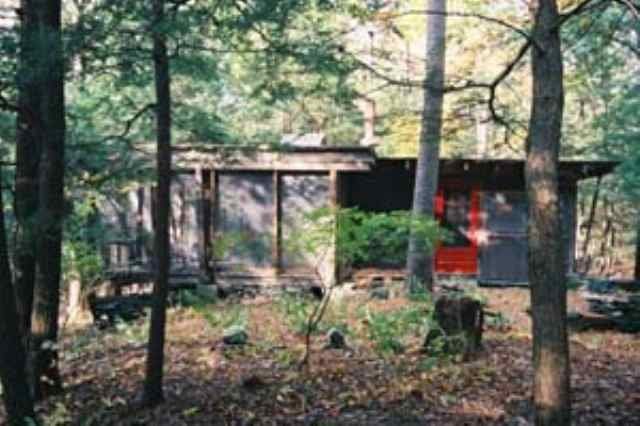 The cabin overlooking the Poetic Creek