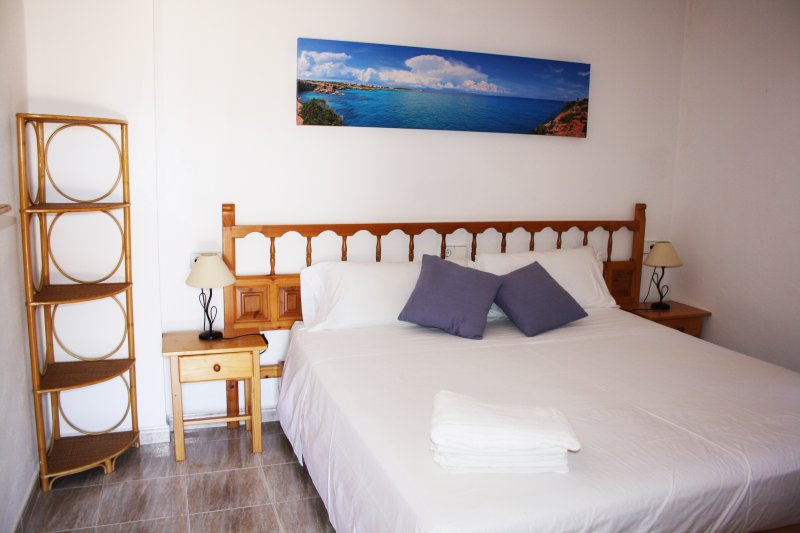 23 recensioni e 15 foto per apartamento carabela aggiornato al 2019 tripadvisor formentera - Camera da letto in spagnolo ...