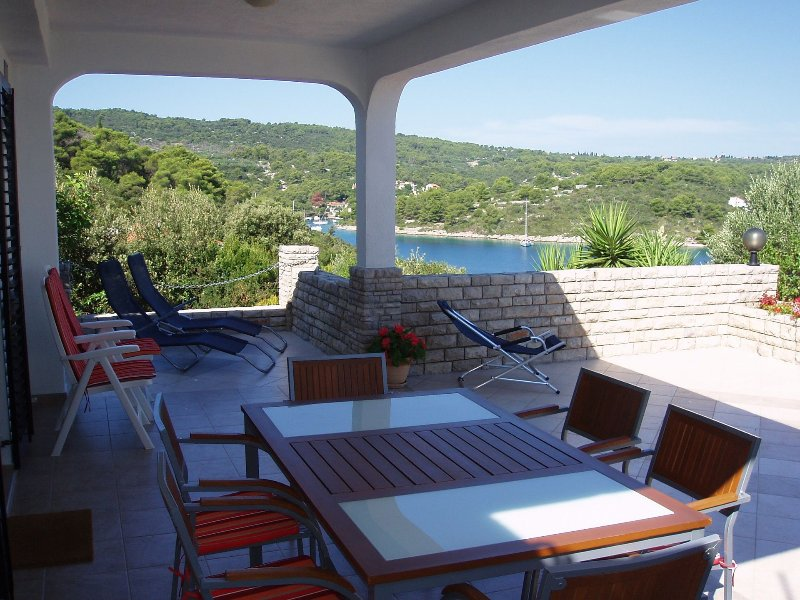 More - with large terrace : H(4+1) - Necujam, alquiler de vacaciones en Necujam