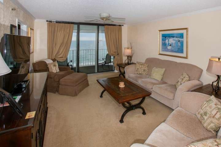 Vloerbedekking woonkamer met zitplaatsen voor 6
