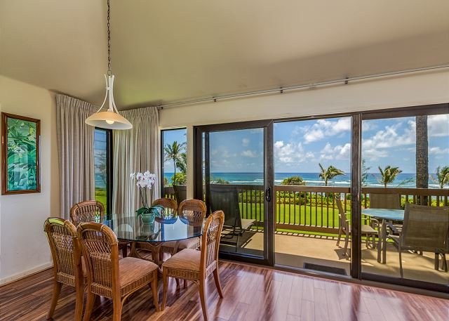 Oceanfront Dining with moon rise & sunrise views!