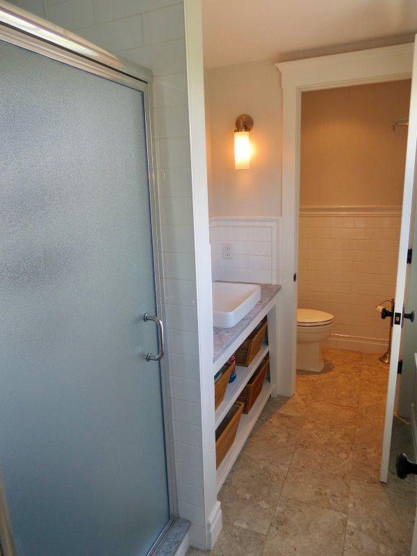 Each bedroom has an en suite bathroom