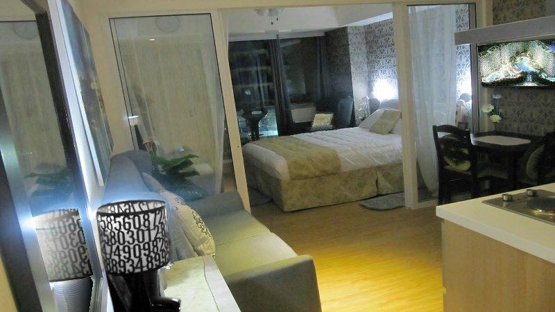 Azure Urban Resort, 1-bedroom Fully-furnished Condo, Beach Garden View Balcony, holiday rental in Paranaque