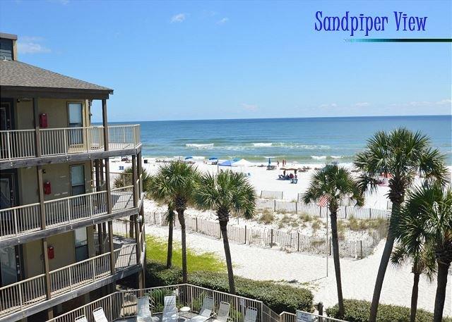 Enjoy Gulf Breezes Through the Palms ~Bender Vacation Rentals, location de vacances à Gulf Shores