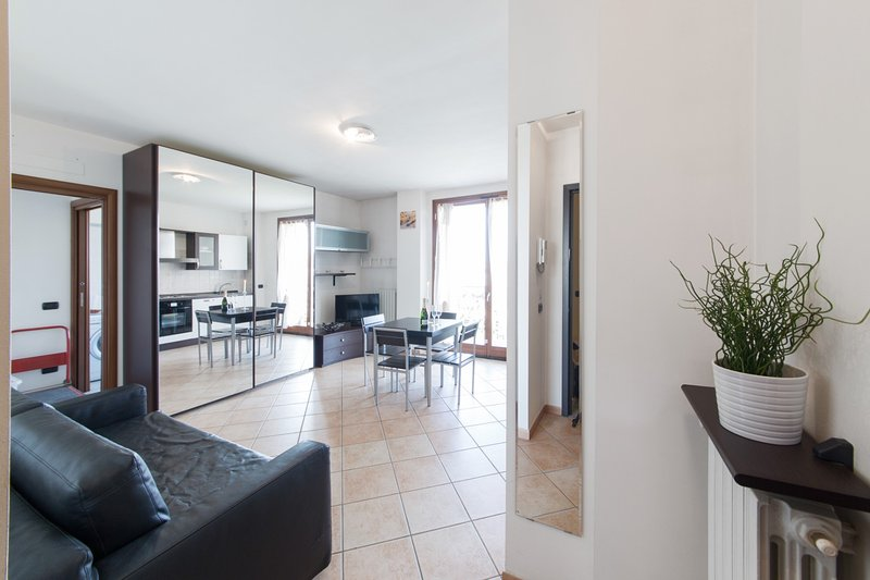 Suitelowcost Limbiate - Studio, vacation rental in Paderno Dugnano