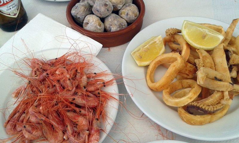 Nelle vicinanze ristoranti con cucina tipica delle Canarie. Tabaibarril Restaurant, San Miguel de Tajao.