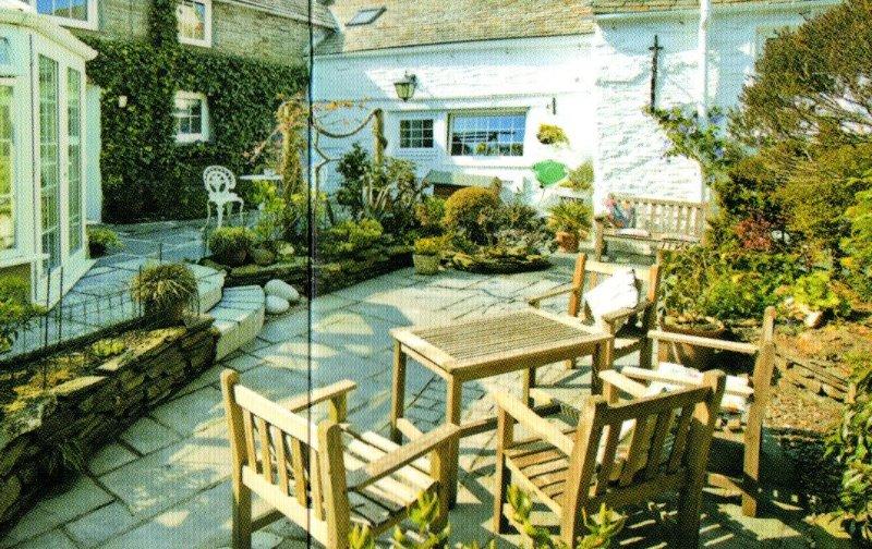 White Hart - Walled Garden
