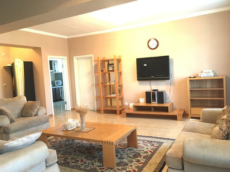 Beautiful Central Duplex house for GROUPS, FAMILY & FRIENDS, holiday rental in Ulaanbaatar