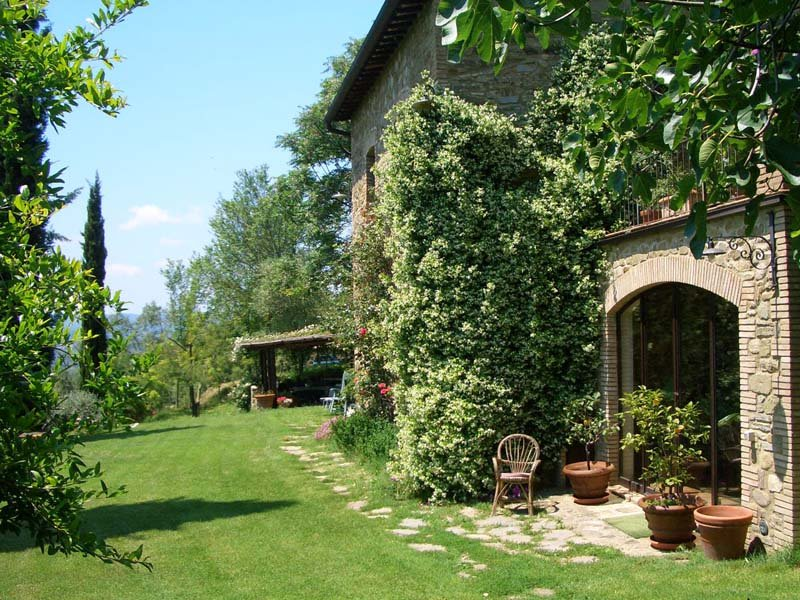 Affascinante casale tra le colline umbre, casa vacanza a Prodo